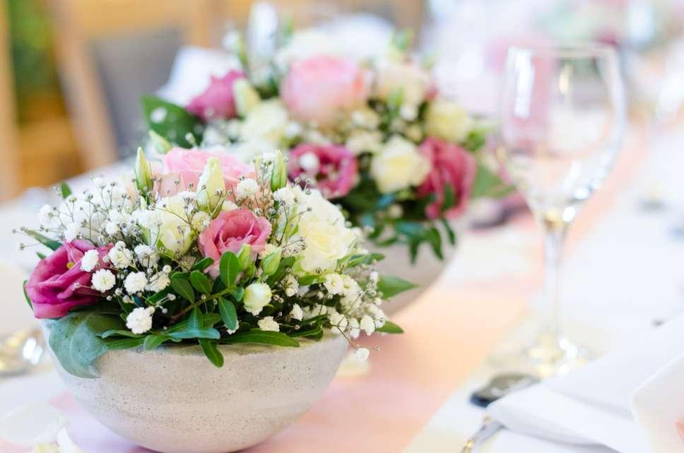Tischdeko Zu Silvester Ein Tischfeuerwerk Aus Frischen Blumen